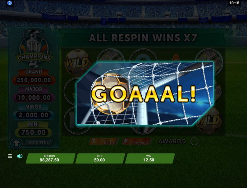11 Champions :: Score