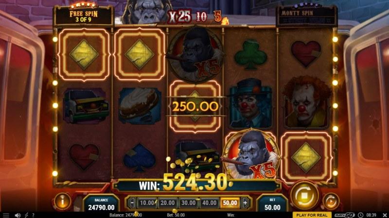 3 Clown Monty :: Free Spins Game Board
