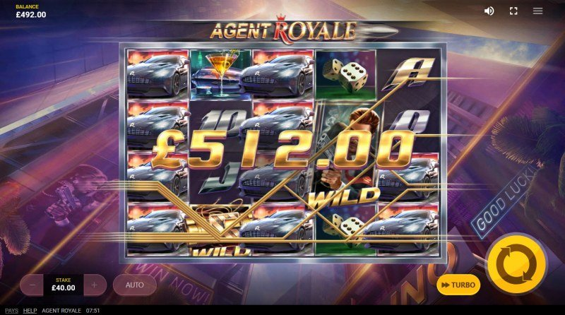 Agent Royale :: Locked wild feature triggers multiple winning paylines