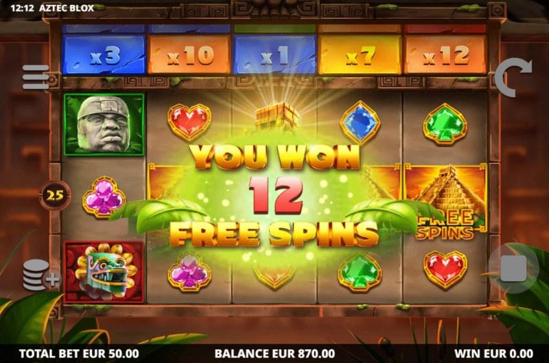 Aztec BLOX :: Scatter symbols triggers the free spins bonus feature