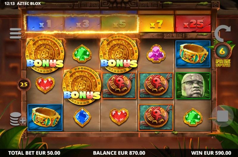 Aztec BLOX :: Scatter symbols triggers the bonus feature