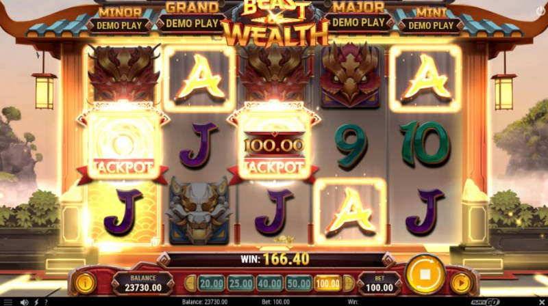 Beast of Wealth :: Wild symbol landing on gold reel triggers jackpot feature