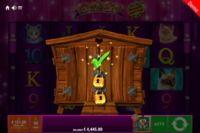 Cutie Cat Crazy Chicken Shooter :: Crazy Chicken Shooter randomly triggers during any spin