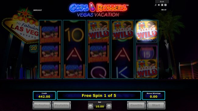 Cops 'n' Robbers Vegas Vacation :: Spotlight Wilds awarded