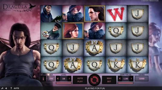 Dracula :: Main game board featuring five reels and 40 paylines with a $80,000 max payout