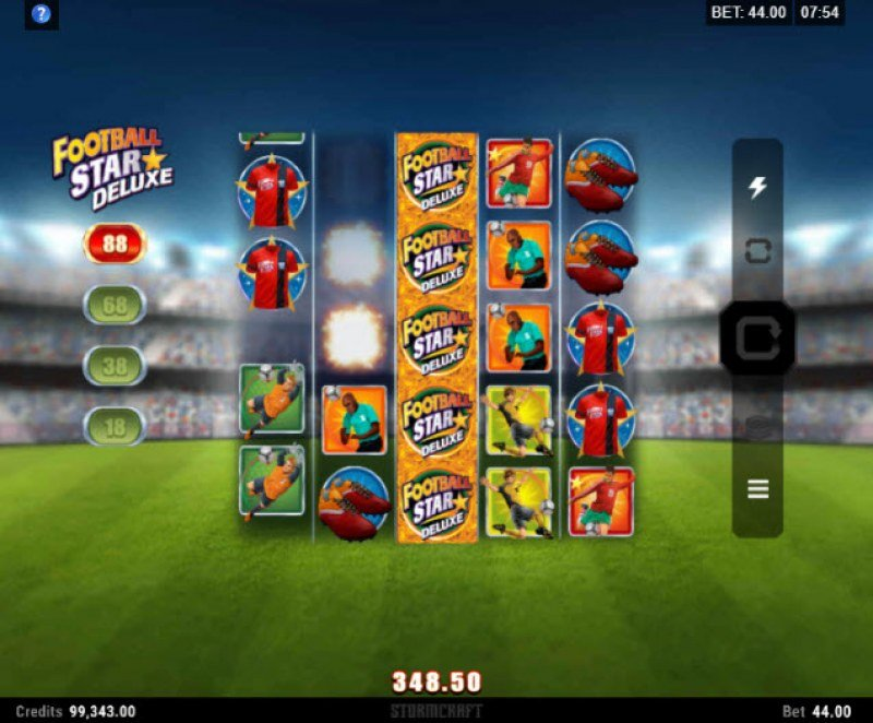 Football Star Deluxe :: Winning symbols are removed from the reels and new symbols drop in place