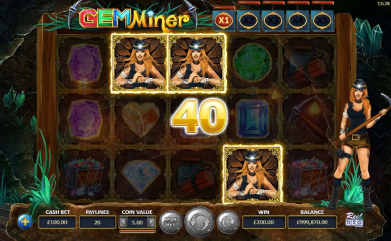 Gem Miner :: Scatter symbols triggers the free spins feature
