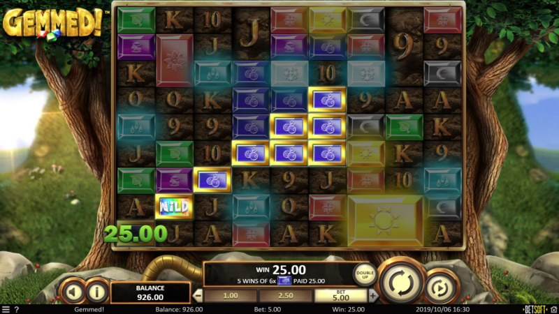 Play slots at Gossip Slots: Gossip Slots featuring the Video Slots Gemmed! with a maximum payout of $2,166,700