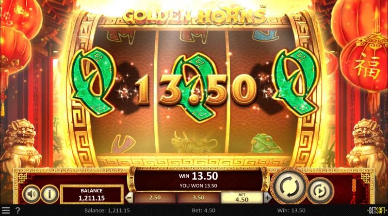 Golden Horns :: A three of a kind win