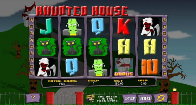Haunted House :: Main game board featuring five reels and 18 paylines with a $62,500 max payout.