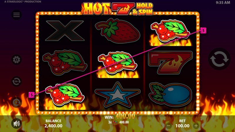 Hot 7 Hold & Spin :: A three of a kind win