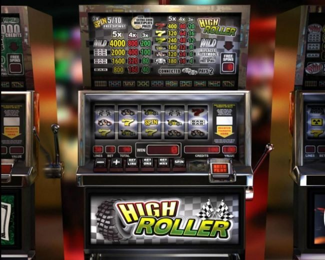 High Roller :: Main game board featuring five reels and 30 paylines with a $12,000 max payout.