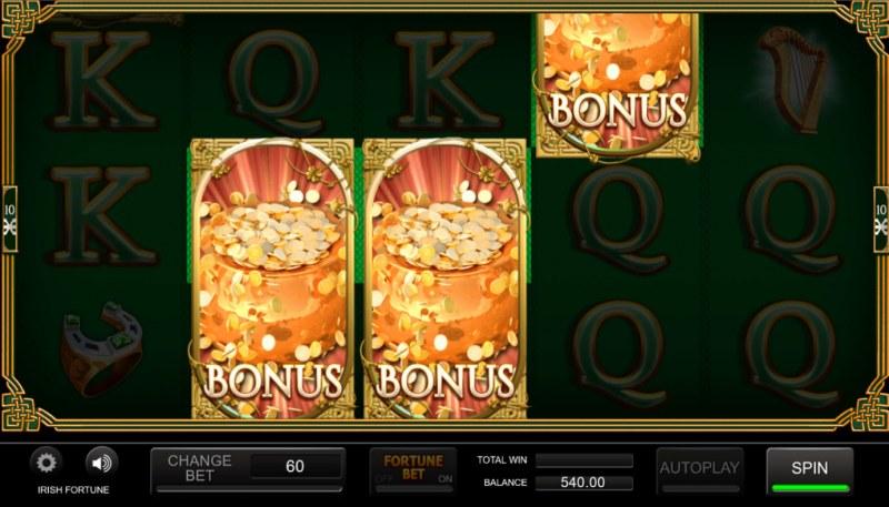 Irish Fortune :: Scatter symbols triggers the free spins bonus feature