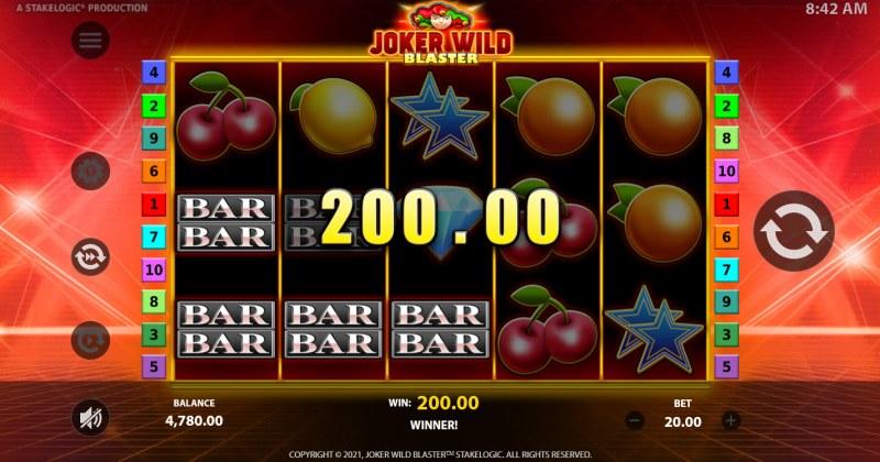 Joker Wild Blaster :: A three of a kind win