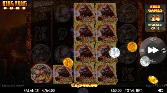 King Kong Fury :: Stacked wild triggers multiple winning paylines