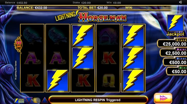 Lightning Horseman :: Scatter win triggers the bonus feature