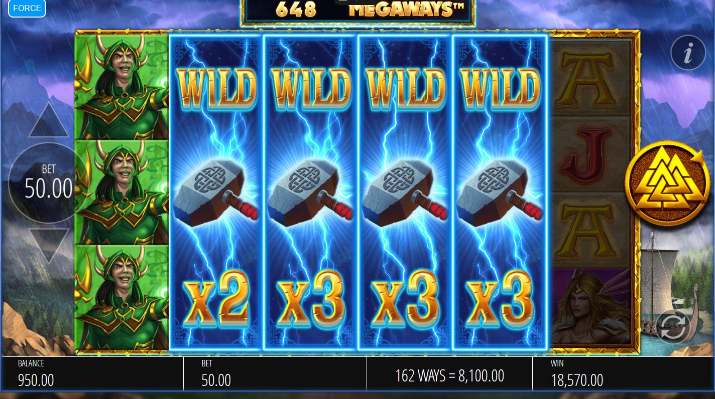 Lightning Strike Megaways :: Stacked wilds triggers multiple winning paylines
