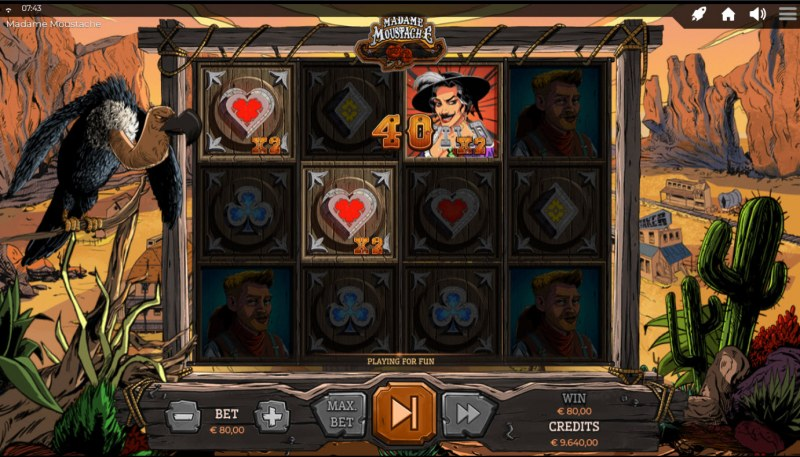 Madame Moustache :: A three of a kind win