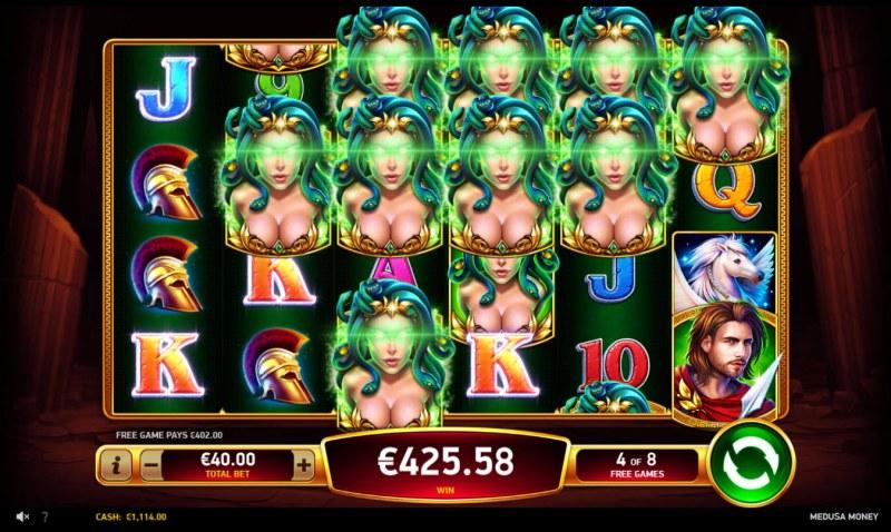 Medusa Money :: Multiple winning paylines