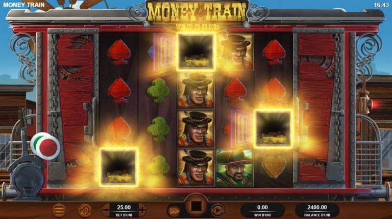 Money Train :: Scatter symbols triggers bonus feature