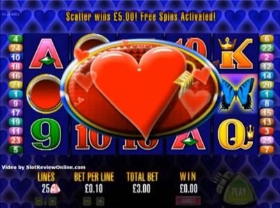 More Hearts :: Three scatter symbols triggers free spins bonus feature