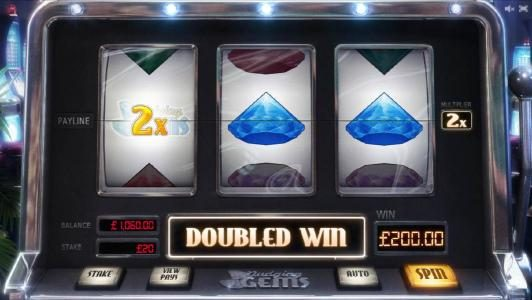 wild with 2x multiplier triggers a $200 jackpot