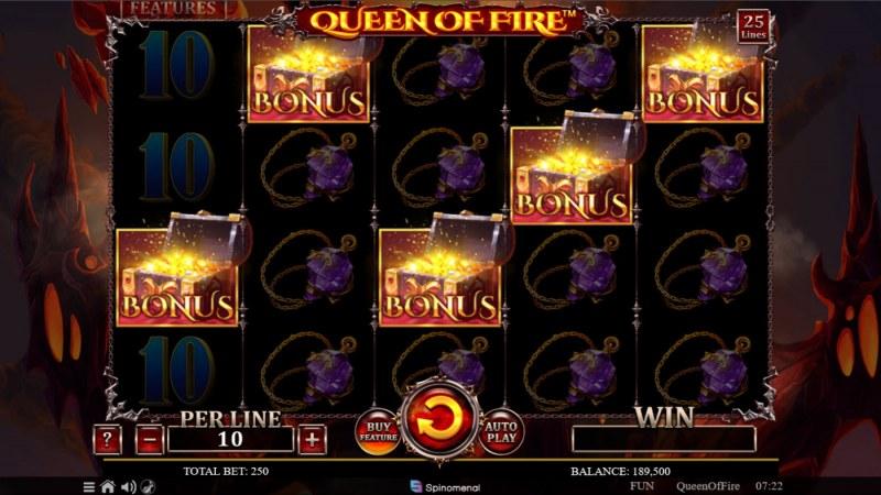 Queen of Fire :: Scatter symbols triggers the bonus feature