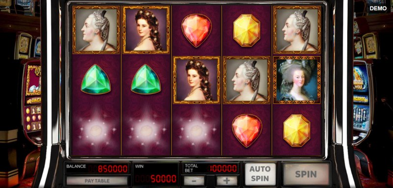 Queens & Diamonds :: Winning symbols are removed from the reels and new symbols drop in place