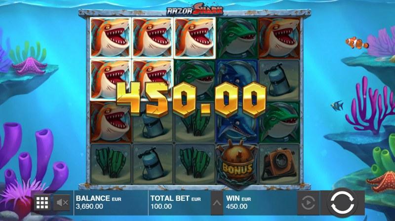 Razor Shark :: Three of a kind