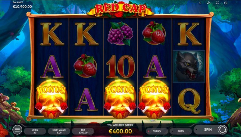 Red Cap :: Scatter symbols triggers the free spins bonus feature