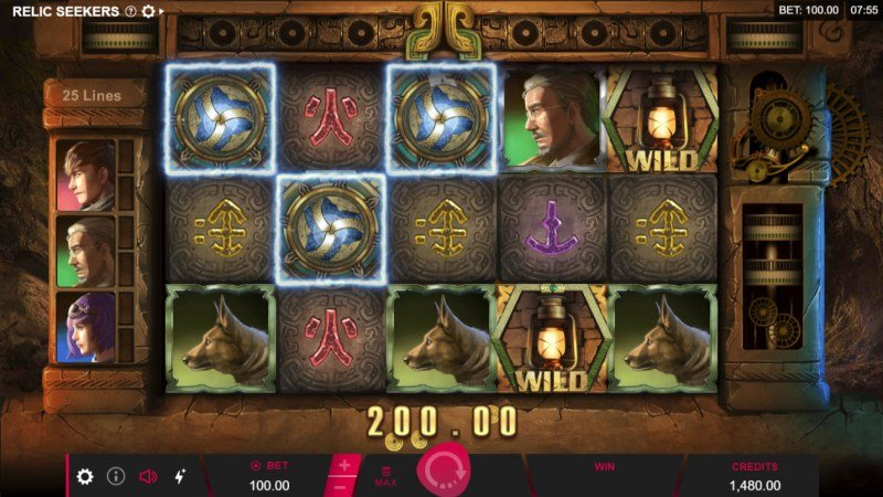 Relic Seekers :: Scatter symbols triggers the free spins feature
