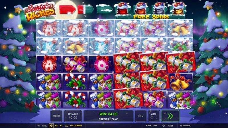 Santa's Riches :: Multiple winning paylines
