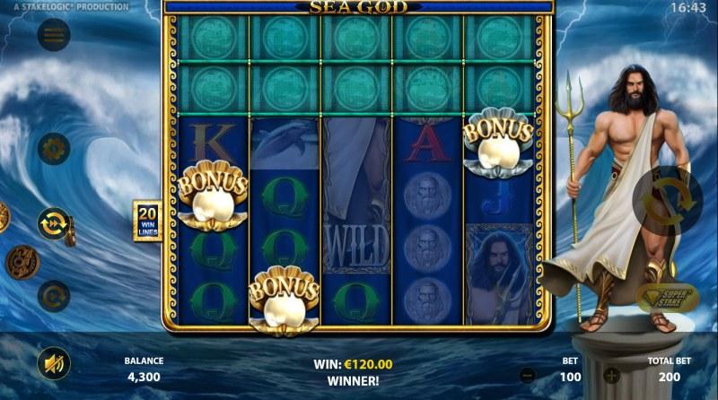 Sea God :: Scatter symbols triggers the free spins bonus feature