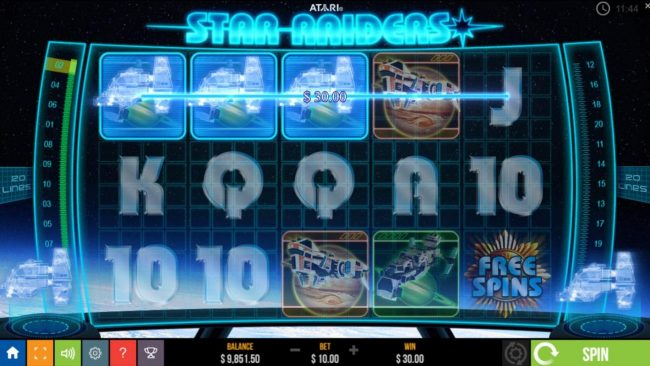 Star Raiders :: A three of a kind triggers a 30.00 payout.
