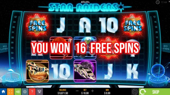Star Raiders :: Landing three or more scatter symbols anywhere on the reels triggers the free spins feature.