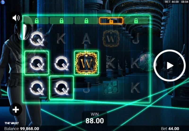 The Vault :: Multiple winning paylines