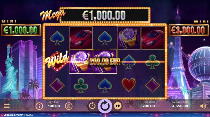 Vegas Night Life :: A three of a kind win