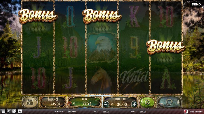 Wild Animals :: Scatter symbols triggers the free spins bonus feature